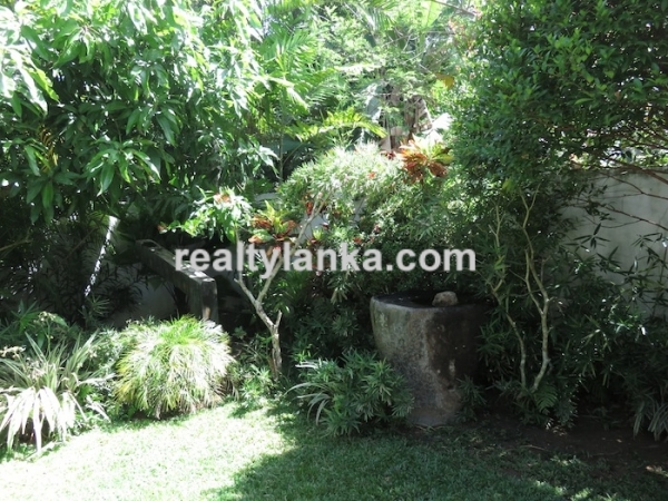 Small Villa In Habaraduwa
