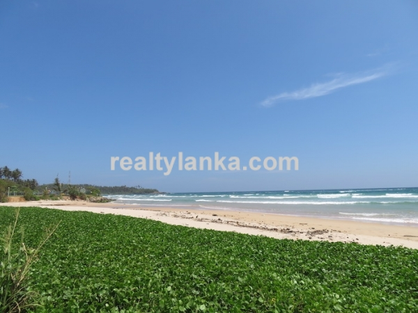Beach Property In the Dickwell…