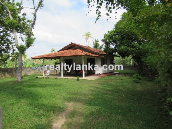 Property In walking Distance To The Beach